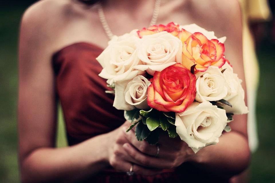 Vestidos de novia que no son blancos y te encantarán, ▷ Alquiler Fotomatón en Madrid