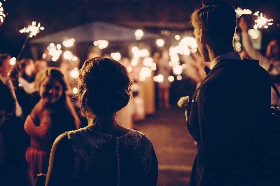 Casarse un día festivo, ¿será la mejor opción?, ▷ Alquiler Fotomatón en Madrid