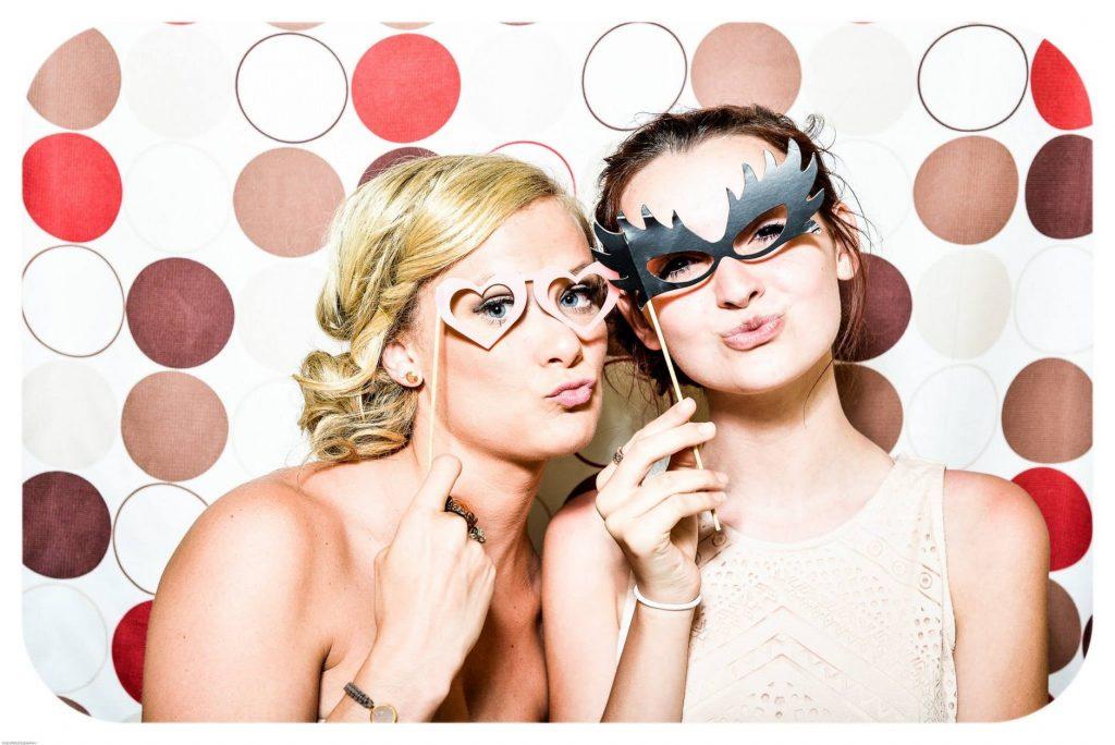 Cómo organizar una despedida de soltero divertida, ▷ Alquiler Fotomatón en Madrid
