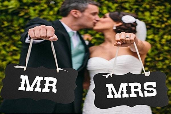 Photocall para bodas: ventajas de alquilar un fotomatón, ▷ Alquiler Fotomatón en Madrid