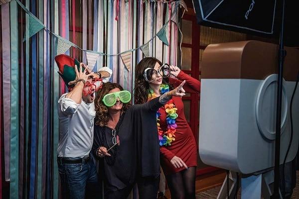 Cabina de fotos para fiestas infantiles: diversión garantizada, ▷ Alquiler Fotomatón en Madrid