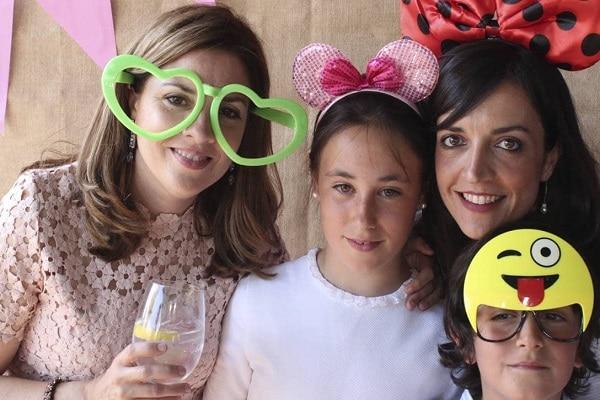 Consejos para conseguir una primera comunión perfecta, ▷ Alquiler Fotomatón en Madrid
