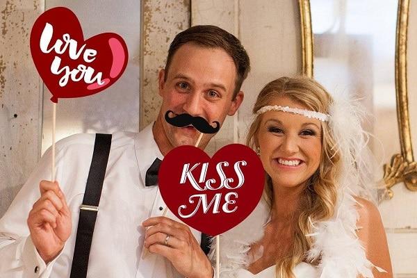 San Valentín: fotomatón para fiestas el día del amor, ▷ Alquiler Fotomatón en Madrid