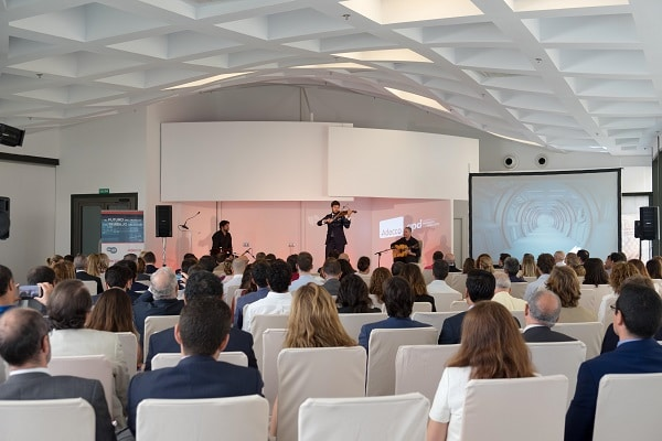 Eventos corporativos para marcas, ▷ Alquiler Fotomatón en Madrid
